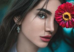 beautiful_lip_woman